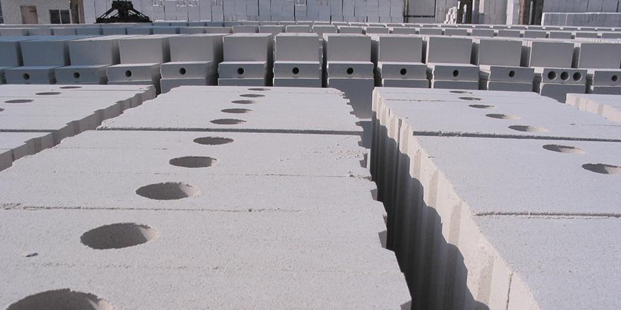 Ściany z silikatów – co warto o nich wiedzieć?