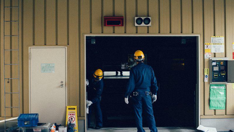 drzwi zewnętrzne do garażu